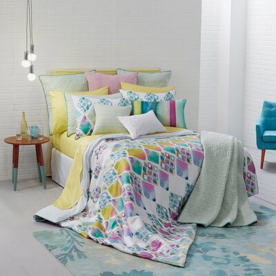 Melrose Duvet Set Size: Full/Queen