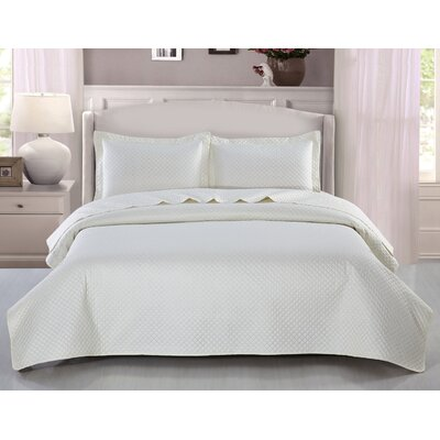 Fashion Classic Coverlet Set Color: Ivory, Size: Queen