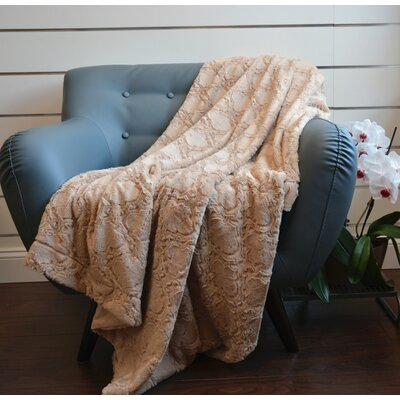 Plush Quatrefoil Throw Color: Camel