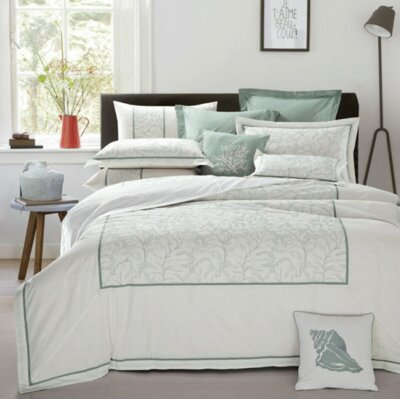 Guilloche 3 Piece Duvet Cover Set Size: Queen