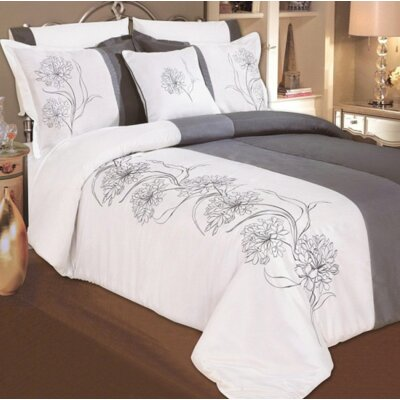 7 Piece Duvet Cover Set Size: Queen