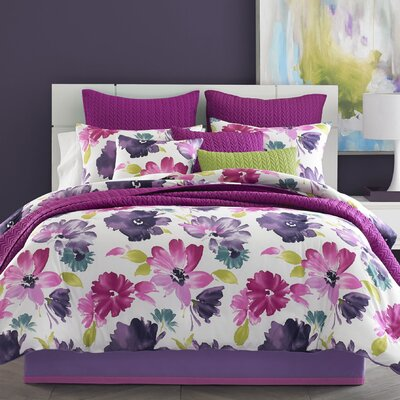 Mia Coverlet Size: Full/Queen