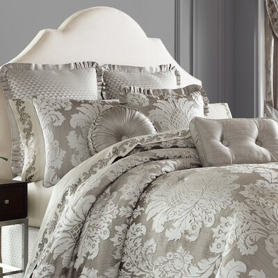 Carly 4 Piece Comforter Set Size: King