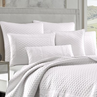 Gunner Coverlet Color: White, Size: King