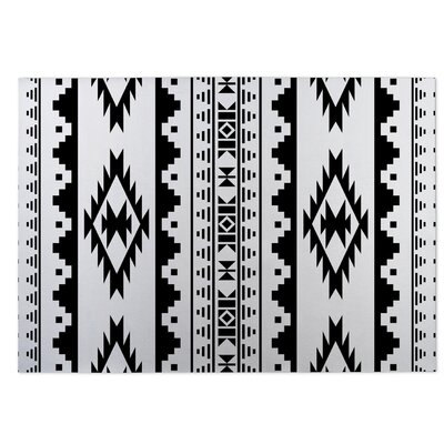 Navajo Indoor/Outdoor Doormat Color: Black/White
