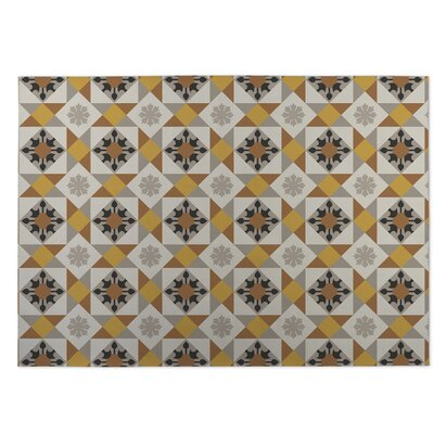 Gray/Yellow Indoor/Outdoor Doormat Rug Size: 5 x 7