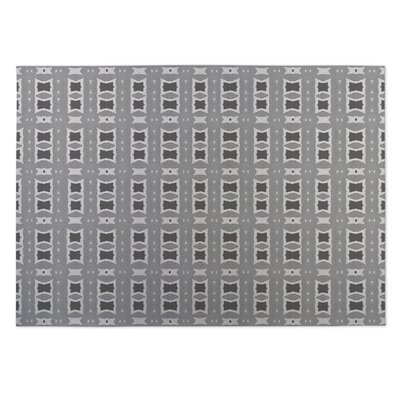 Crossroads Gray Indoor/Outdoor Doormat Rug Size: 4 x 5