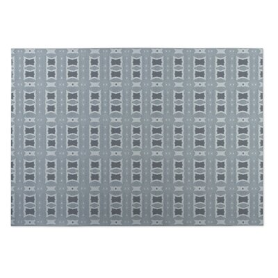 Crossroads Gray Indoor/Outdoor Doormat Rug Size: 4' x 5'
