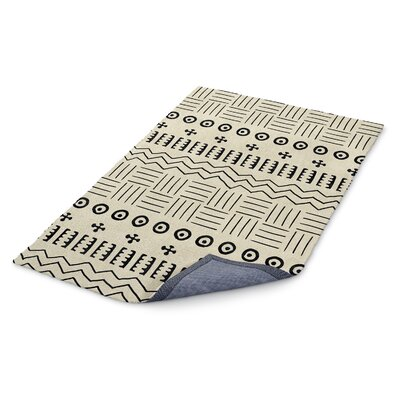 Ivory/Black Area Rug Rug Size: Rectangle 5 x 7