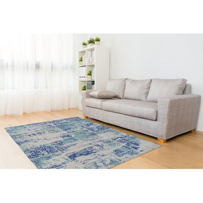 Tori Patchwork Blue/Ivory Area Rug Rug Size: Rectangle 5 x 7