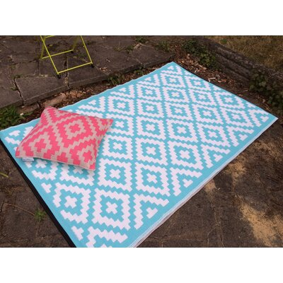 Nirvana Blue/White Indoor/Outdoor Area Rug Rug Size: 5 x 8