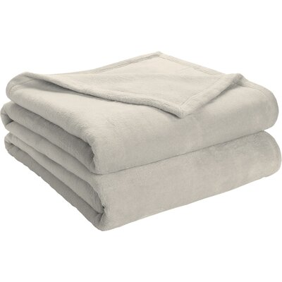 Semi Fitted Plush Bed Blanket Size: King, Color: Gardenia
