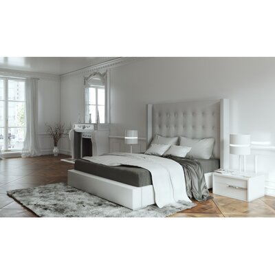 Bedroom Upholstered Platform Bed Size: Queen
