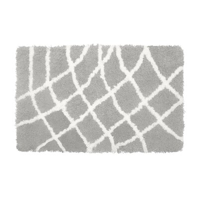 Diamond Chunky Shag White/Gray Area Rug Rug Size: 23 x 39