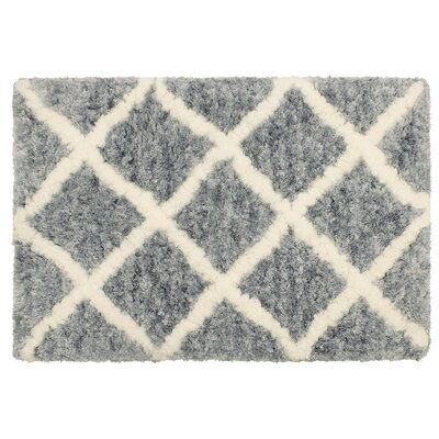 Hexham Diamond Shag Gray Area Rug Rug Size: 23 x 39