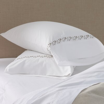 Laurel Wreath Pillowcase Size: Standard
