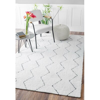 Carrington Hand-Tufted White Area Rug Rug Size: Rectangle 86 x 116
