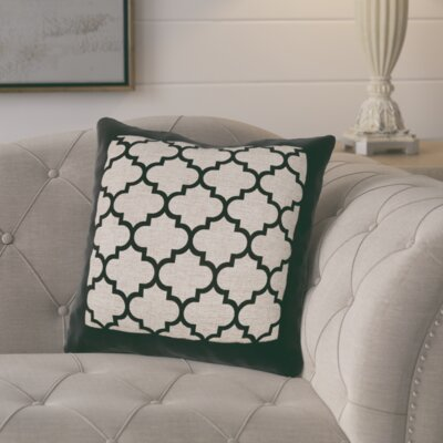 Alicia Quatrefoil Burlap Outdoor Throw Pillow Color: Black