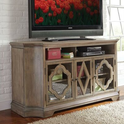 Paredes 68 TV Stand
