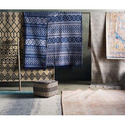 Oldtown Hand-Woven Gray Area Rug Rug Size: 4 x 6