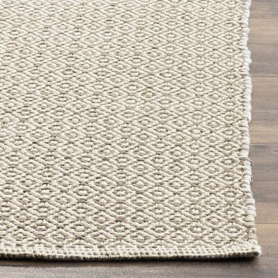 Oxbow Hand-Woven Ivory/Gray Area Rug Rug Size: Rectangle 26 x 4
