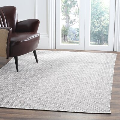 Oxbow Hand-Woven Ivory/Gray Area Rug Rug Size: 5 x 7