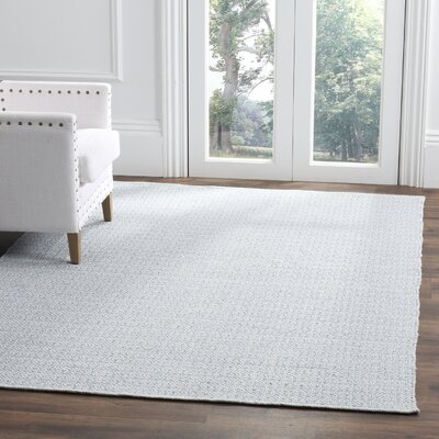 Oxbow Hand-Woven Ivory/Light Blue Area Rug Rug Size: 5 x 7