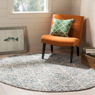 Billie Hand-Tufted Ivory/Blue Area Rug Rug Size: Round 6
