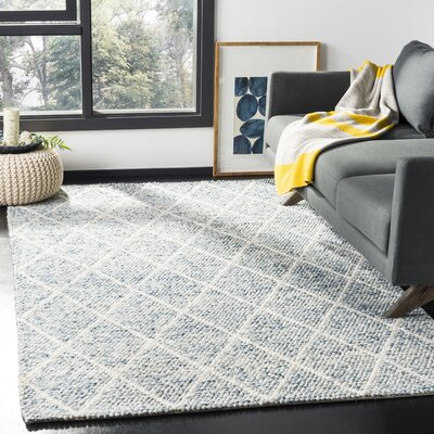 Billie Hand-Tufted Ivory/Blue Area Rug Rug Size: Rectangle 5 x 8