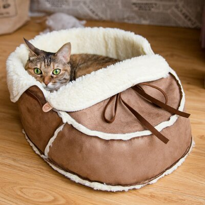 Moccasin Pet Bed Size: 18 L x 13.5 W