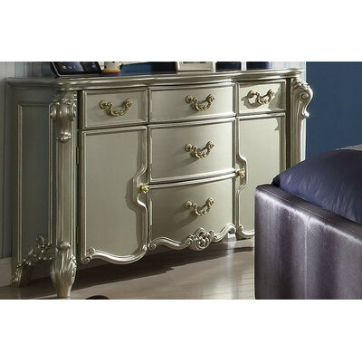 Westhoughton Traditional 5 Drawer Dresser