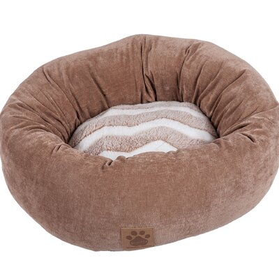 Snoozzy Hip as a Zig Zag Shearling Round Bed Color: Tan / White