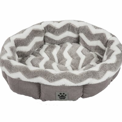 Maxine Hip as a Zig Zag Shearling Round Bed Color: Gray / White
