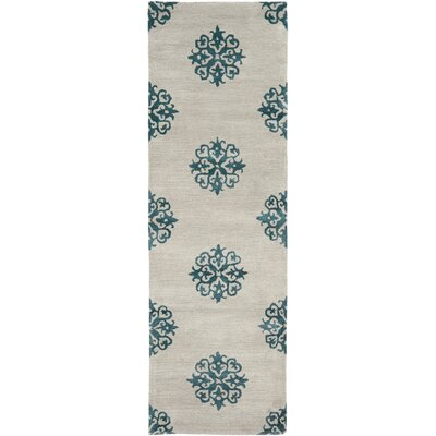 Soho Hand-Woven Wool Ivory/Green Area Rug Rug Size: Runner 26 x 8