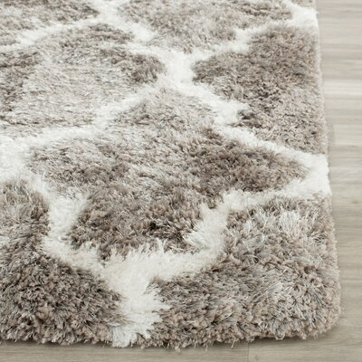 Barcelona Silver/White Area Rug Rug Size: 3' x 5'