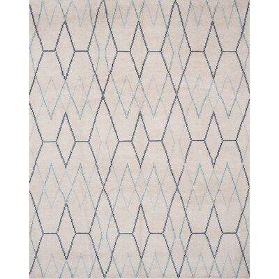Oakely Hand-Knotted Ivory Area Rug Rug Size: 4 x 6