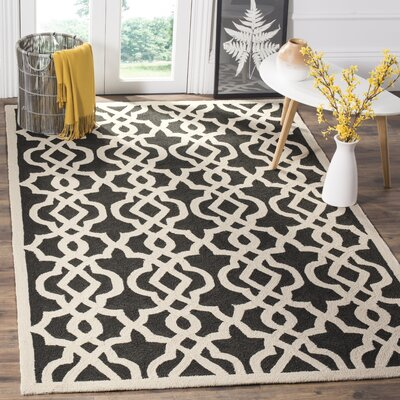 Daphne Outdoor Hand Tufted Black/Cream Area Rug