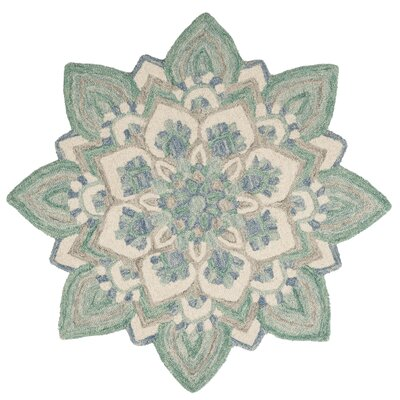 Thompson Hand Hooked Green/Beige Area Rug� Rug Size: Round 6