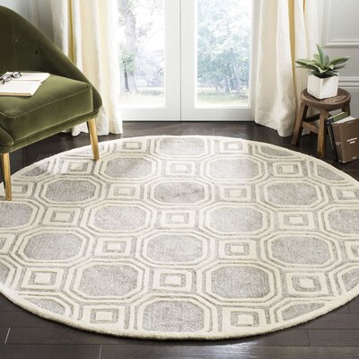 Precious Hand-Tufted Gray/Ivory Area Rug Rug Size: Round 6