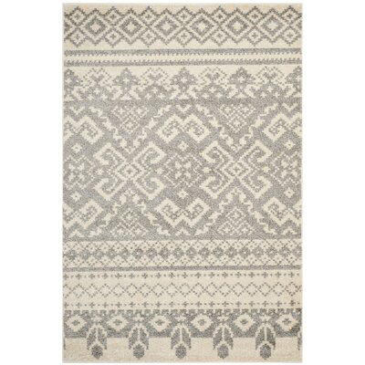 St. Ann Highlands Beige/Silver Area Rug Rug Size: Rectangle 51 x 76