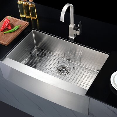 Elysian 32.88 x 20.75 Single Bawl Farmhouse Kitchen Sink with Drain Assembly
