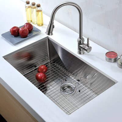 Vanguard 32 x 19 Single Bowl Undermount Kitchen Sink with Drain Assembly