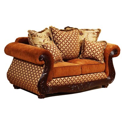 Wynn Loveseat