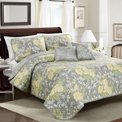 Jolyn Floral Quilt Set Size: King