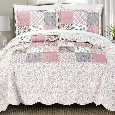 Lyssa Quilt Set Size: Full/Queen