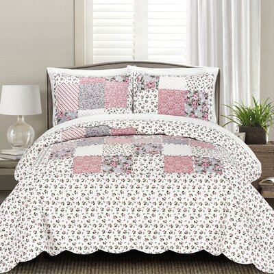 Meagle Quilt Set Size: Full/Queen
