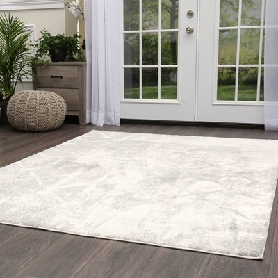 Roma Diamond Gray Area Rug Rug Size: Rectangle 79 x 102