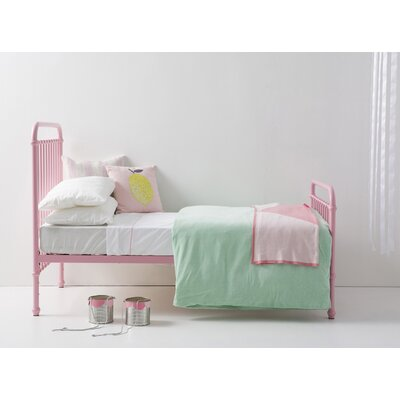 Polly Platform Bed Size: Full