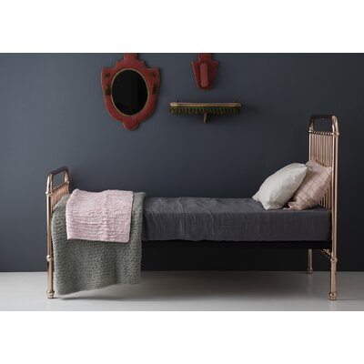 Eden Platform Bed Size: Full