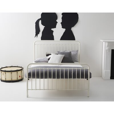 Mia Platform Bed Size: Full